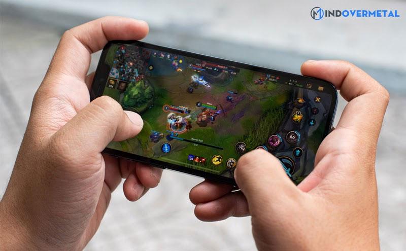 choi-game-lien-quan-mobile-tren-dien-thoai-mindovermetal